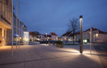 Rathausplatz Herzogenburg | NÖ | Nachtsimmung am zentr. Platz