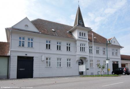 Rathaus Königsbrunn am Wagram | NÖ | Strassenfront