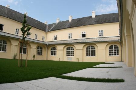Minoritenkloster Krems-Stein | Klosterhof